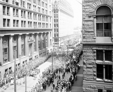 Thousands gather in the streets of Philadelphia for the Liberty Loan Parade.
