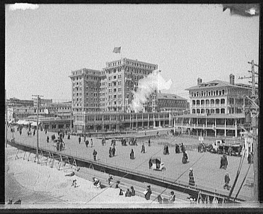 A black and white photo of Atlantic City, NJ.
