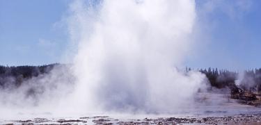 Fountain geyser in full eruption.