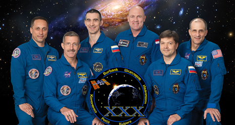 ISS030-S-002 -- Expedition 30 crew