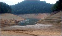 Thumbnail image of drought at Fontana Dam in North Carolina. [Image: U.S. Geological Survey]