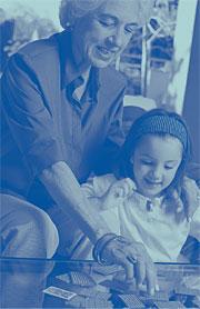 Imagen de una mujer con un niña