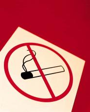 Fotografía de un cartel de 'prohibido fumar'