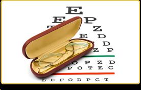 unos lentes sobre una tabla para el examen de la vista