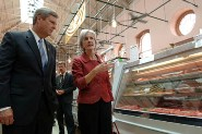 HHS Secretary Sebelius and Agriculture Secretary Tom Vilsack tour Eastern Market, a local D.C. area farmer's market. Credit: Photo by Chris Smith – HHS Photographer.