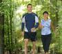 Fotografía de una pareja haciendo ejercicio