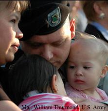 Fotografía de una familia militar