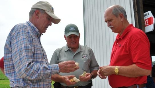 Senator Coats Visits Flint Farm in Washington
