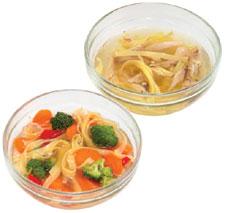 foto de dos tazas de sopa