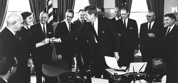 President Kennedy and Dr. Frances Kelsey at signing of Kefauver-Harris Drug Amendment