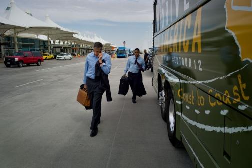 Education Secretary Duncan Walks to the Bus