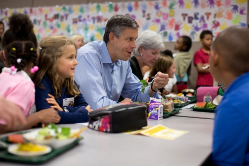 Secretary Duncan and Secretary Sebelius Join Students for Lunch