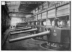 Vickers Works by Barrow -- Assembled big guns  (LOC)