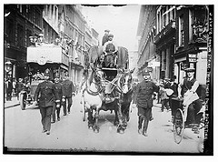 London strike. Truck under police protection (LOC)