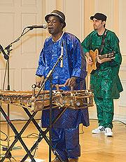 Balla Kouyaté playing the balaphon.