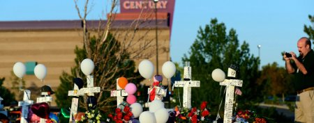 Colorado shooting victims' kin rip 'disgusting' offer (Getty Images)