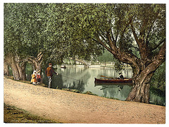 """[A """"Peep"""" from the recreation grounds, Bedford, England]  (LOC)"""