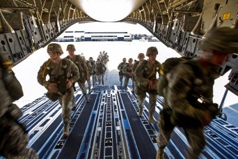 82nd Airborne Paratroopers board C-17