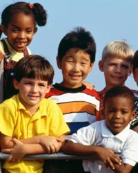 Un grupo de niños