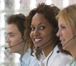 call-center-3-people