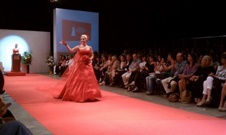 Una celebridad en la Colección de los Vestidos Rojos 2012 en Buenos Aires, Argentina