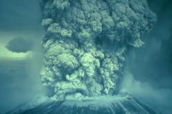 Mt. St. Helens, WA, 18 de mayo, 1980 haciendo erupción