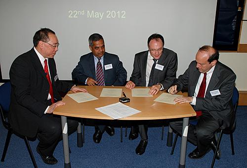US-UK Collaborate on Ocular Immunology.