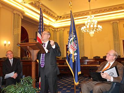 FTC Chairman Jon Leibowitz at podium during press conference