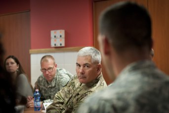 Army senior leaders discuss fiscal priorities, sup
