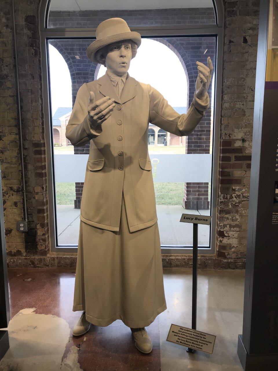 Lucy Burns Statue.jpg